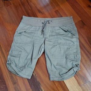 Union bay capri pants size 13